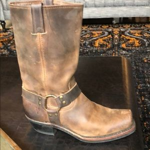Frye Shoes - FRYE HARNESS BOOT. Size 10 Tan Great Condition